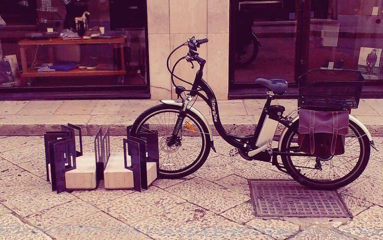 """Porta bici """"c'è o non c'è"""""""